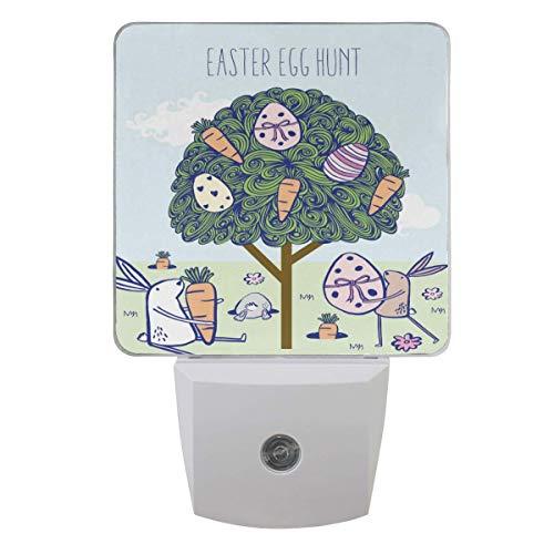 Luz nocturna de caza de huevos de Pascua, linda zanahorias conejito enchufable luces LED nocturnas auto lámpara de sensor de atardecer a amanecer para dormitorio, baño, cocina, pasillo escaleras