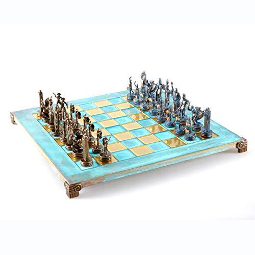 Juego de ajedrez de mitología griega, azul y cobre con tabla oxidada azul