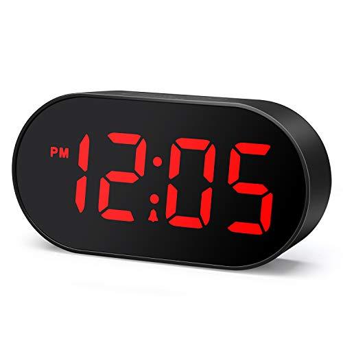 Plumeet Digitaler LED Wecker mit Dimmer und Schlummerfunktion, 2-stufige Wecklautstärke optional, große rote Anzeige, Nachttischuhr mit USB-Anschluss Telefonladegerät, einfache Bedienung (Rot)