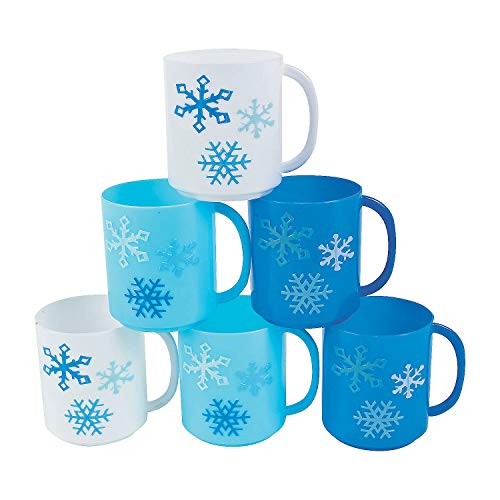 Plastic Winter Mugs - Set of 12 - Christmas Party Supplies