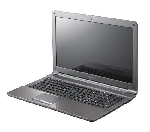 Samsung Notebook E5520-S01, Schermo 15.6', Processore Intel Core i5-2410, 4GB RAM, 500GB di HDD, Scheda Grafica nVIDIA GT315 1GB, Webcam, Win 7 Home