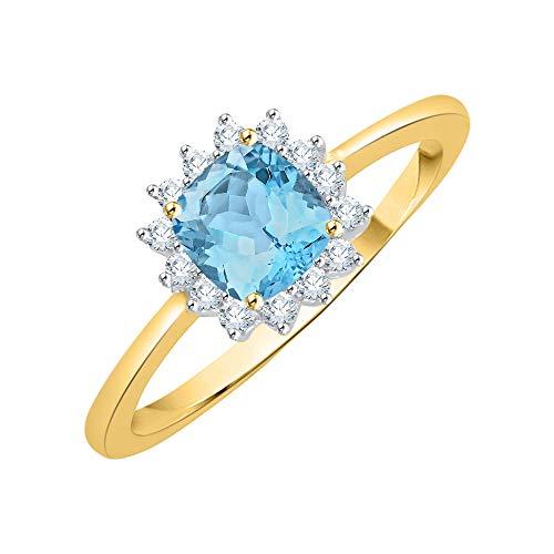 KATARINA Anillo de compromiso con halo de topacio azul de talla cojín y diamantes en oro de 10 k (7/8 cttw, G-H, I2-I3)
