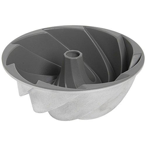 Nordic Ware 10-Cup Bundt Pan