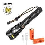 XHP70 Linterna LED Recargable USB Linternas Alta Potencia, LUXNOVAQ 8000 Lumen Linterna Tactica Zoomable Impermeable Mejor Flashlight Torch Light con 2 Baterías y 5 Modos para Acampada Senderismo