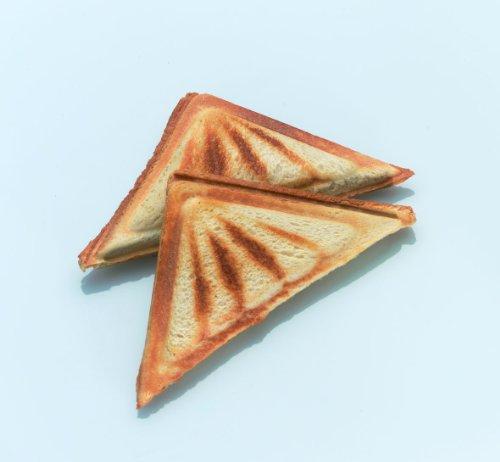 Cloer 6219 Sandwichmaker / 900 W / für 2 diagonal geteilte Toasts / optische Fertigmeldung / Kabelaufwicklung /