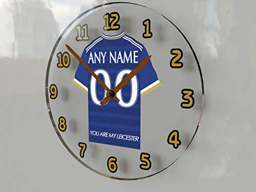 """FanPlastic Premier League, orologio da parete con maglia da calcio, con scritta in lingua inglese """"We print any name and any number for you"""", in acrilico !, Leicester City Clock"""