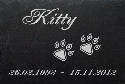 """Schiefertafel mit wetterfester Lasergravur des Motives """"Katzenpfoten"""" und Ihrem Text/Daten in der gewünschten Schriftart z.B. als Tiergrabplatte auf das Grab oder als Tiergedenkentafel für Zuhause von LaserArt24"""