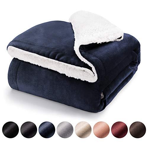 Blumtal Mantas para Sofá Reversible de Sherpa y Franela Suave - Manta Polar 100% Microfibra Extra Suave, Manta de sofá, de Cama o de Sala de Estar, Azul Oceano, 130 x 150 cm