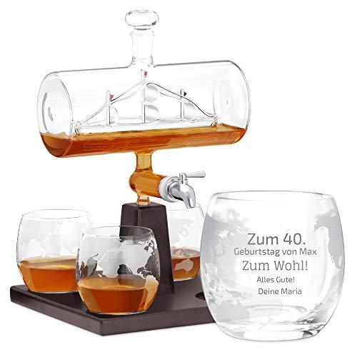 Murrano Whisky Karaffe mit Gravur - Schiff mit Edelstahl-Wasserhahn, 1000 ml - 4er Whiskygläser Set - Whisky Dekanter - Zum Wohl!