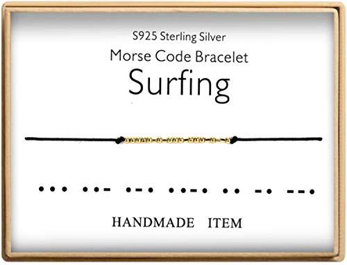 サーフィン愛好家への誕生日ギフト モールスコード サーフィンブレスレット 925スターリングシルバー ハンドメイドビーズ 調節可能なストリング 14K 純金メッキ ブレスレット ジュエリー 女性用