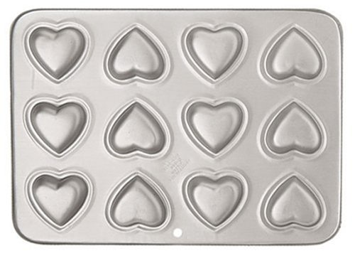 Wilton 12-Cavity Petite Heart Pan