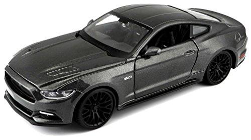 Maisto Ford Mustang GT 2015: Originalgetreues Modellauto,Maßstab 1:24, Türen und Motorhaube beweglich, Fertigmodell, 20 cm, metallic grau (531508)