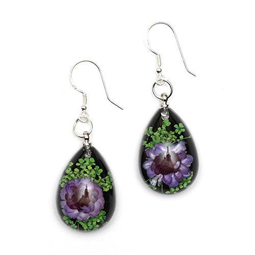 Idin Handgemachte Ohrringe - Violette gepresste Blumen, schwarze Tropfenform, Sterlingsilberhaken (Länge: 4.8 cm, pendant 1.6 x 2.3 cm)