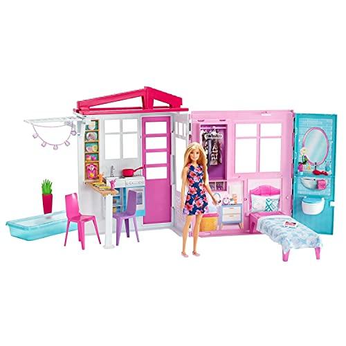 Barbie FXG55 Domek Letniskowy z Lalką, Meblami i Basenem, Przenośny, Wysokości Około 46 cm, Wielokolorowy