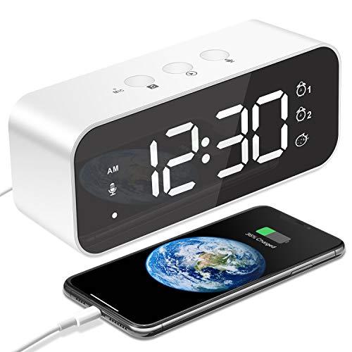 MOSUO Reloj Despertador Digital, USB Recargable Reloj Alarma Electrónico Pantalla LED Espejo con 2 Alarma y Snooze, Grabación, 3 Volúmenes y 3 Brillo Ajustable, Clock para Dormitorio Oficina, Blanco