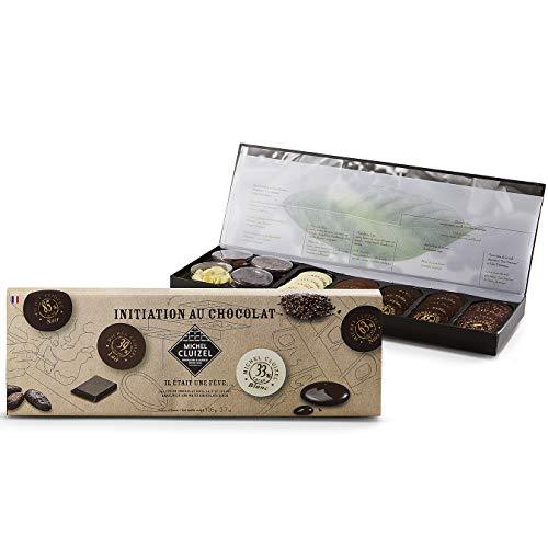 Michel Cluizel Surtido de 4 cajas descubiertas y 25 paletas de chocolate oscuro, leche y blanco con manteca de cacao pura vainilla Bourbon sin aroma de soja cacao mínimo 45{5ff5ba2dcb1cb61293feef73f30d33769f7953a652f6c63b15c0de30d550b295} - 1 x 105 g