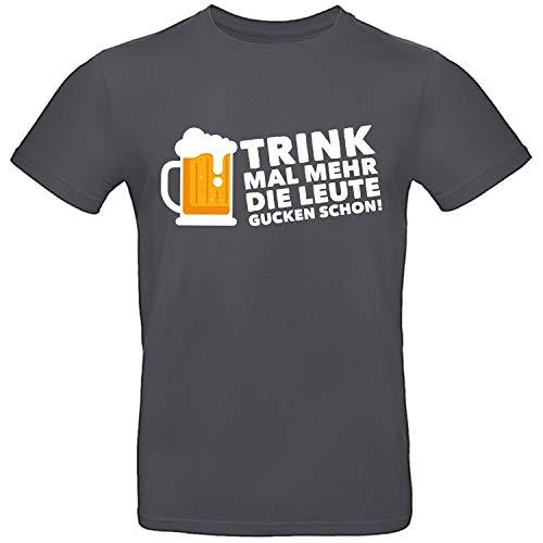 Shirt-Panda Herren T-Shirt · Trink mal mehr die Leute gucken Schon · Brustdruck Bier Unisex T Shirt Männer Fun Shirt Mallorca Party Men Urlaub Geschenk · Dunkelgrau (Druck Weiß) XXL