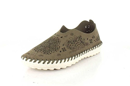 Womens Bernie Mev, Casual TWO09 Slip On Shoes Taupe 9.5
