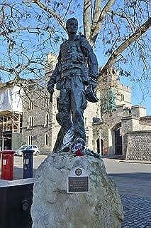 HistoricalFindings Photo: Irish Guards Statue