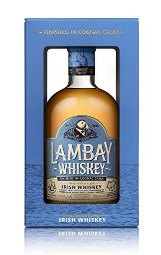 LAMBAY IRISH WHISKEY, Small Batch Blend, dreifach destilliert, fruchtig & nicht torfig mit Geschenkverpackung - 40° 70cl - Saint Patrick Deal