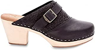 19f2ce802dd Amazon.com  TOMS - Mules   Clogs   Shoes  Clothing
