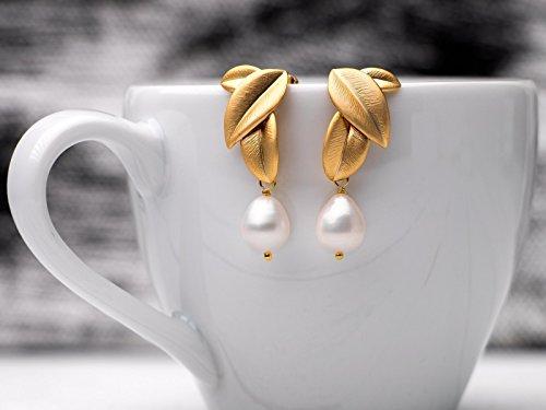 Elegante Perlen-Ohrringe, Perlen-Schmuck, Hochzeit, Braut, matt vergoldete Blatt-Ohrstecker m. Süßwasser Tropfen-Perlen, Geschenk für Sie, Sommer