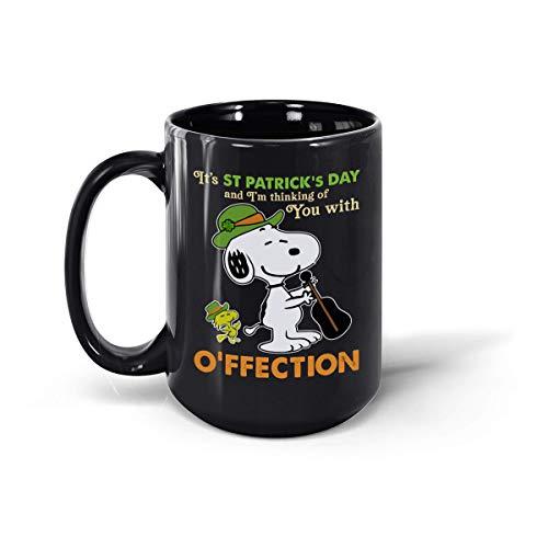 Tazza in ceramica con scritta 'It's ST Patrick Day and I'm Thinkking of You' con Ofeection Snoopy Celebrate Irish Shenanigans Shirt, 311,8 ml e 425,2 g (nero, 425,2 g)