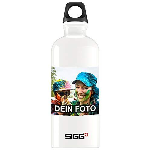 SIGG Trinkflasche mit eigenem Foto personalisiert 0,6 Liter in weiß   leichte Wasserflasche aus Aluminium, BPA frei, auslaufsicher, Kohlensäure geeignet, ideale Sportflasche In- und Outdoor