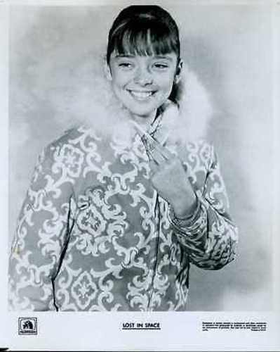 """Angela Cartwright Lost In Space 8x10"""" Photo #J9901"""