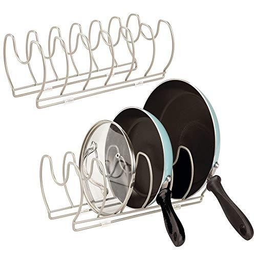 mDesign Juego de 2 Soportes para sartenes, ollas y Tapas – Organizador de Tapas de ollas Compacto para el Armario de la Cocina – Colgador de sartenes de Metal para Ahorrar Espacio – Plateado Mate