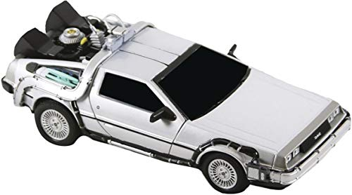 NECA- Regreso al Futuro: máquina del Tiempo Delorean (30803453607)
