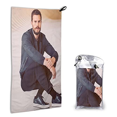 Jamie Dornan Toalla de secado rápido de microfibra portátil de 15.7 pulgadas x 31.5 pulgadas, con bolsa de embalaje y toalla de baño con mosquetón, toalla de playa pequeña súper absorbente