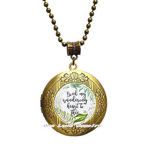 Bind My Wandering Heart to Thee - Collar con medallón floral con texto en inglés 'Bind My Wandering Heart to Thee'