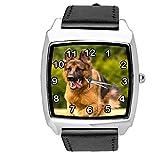 TAPORT® Reloj de cuarzo con correa de cuero negro cuadrado con pastor alemán