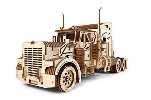 UGEARS Truck Modellbausatz - Schwerer LKW - DIY Holz Modell - Einzigartige Geschenkidee - VM-03 Lastkraftwagen mit Fahrerhaus – Umweltfreundliches Sperrholz - Kein Kleber nötig