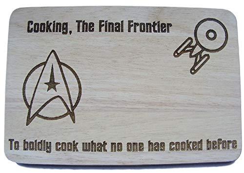 Küchenbrett mit Star Trek-Motiv, Geschenkidee für Star Trek-Fans, per Laser graviertes Holz-Schneidebrett von FastCraft, holz, 24x17 cm