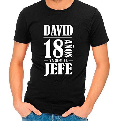 Calledelregalo Regalo Personalizado para el 18 cumpleaños de un Hombre: Camiseta Personalizada con su Nombre y Edad (Negro)