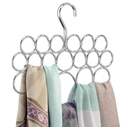 InterDesign Axis Schalhalter mit 18 Ringen, Hängeorganizer für Schals, Tücher, Krawatten, Gürtel etc. aus Metall, silberfarben