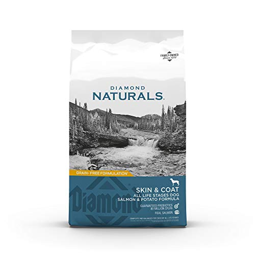 DIAMOND NATURALS  Skin & Coat Real Meat Recipe Dry Dog Food with Wild Caught Salmon 15lb (9422_15_DND)