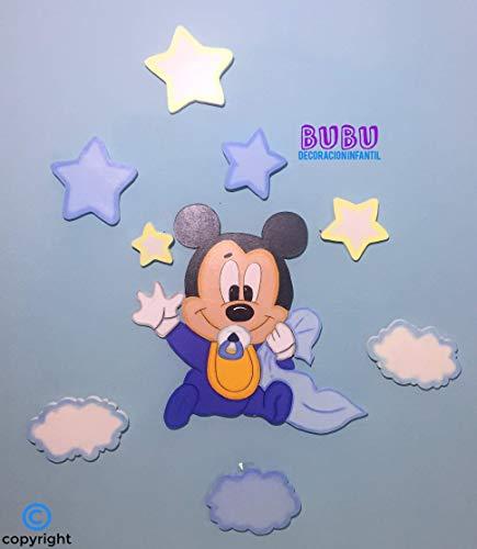 Silueta infantil Mickey bebé con nubes y estrellas
