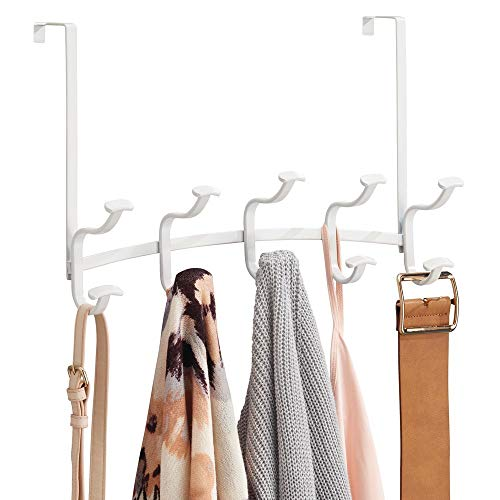 mDesign praktische Wandgarderobe aus Metall - smarte Garderobenstange mit 10 Haken für Jacken, Handtücher und Taschen - stilvolles Garderobenset für über die Tür - mattweiß