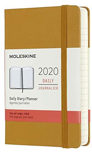 Moleskine - Agenda Diaria de 12 Meses 2020, Tapa Dura y Goma Elástica, Tamaño Pequeño 9 x 14 cm, 400 Páginas, Amarillo Ocre (AGENDA 12 MOIS)