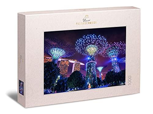 """Ulmer Puzzleschmiede - Ambiente-Puzzle """"Magisches Singapur"""" – Modernes 1000 Teile Städte-Puzzle – die besonderen Nacht-Lichter von Singapur mit dem Marina Bay Sands Hotel, Singapur, Asien"""