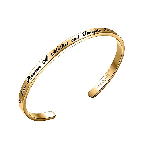 Solocute Gold Damen Armband mit Gravur The Love Between A Mother and Daughter Knows No Distance Inspiration Frauen Armreif Schmuck