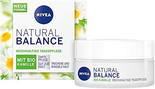 NIVEA Natural Balance Reichhaltige Tagespflege Feuchtigkeitscreme mit Bio Kamille, Jojoba- und Mandelöl für trockene und sensible Haut, 50ml