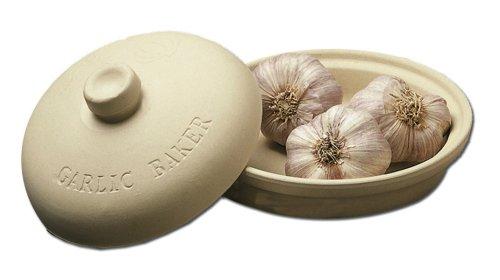 """Sassafras SuperStone 7.5"""" Garlic Roaster"""