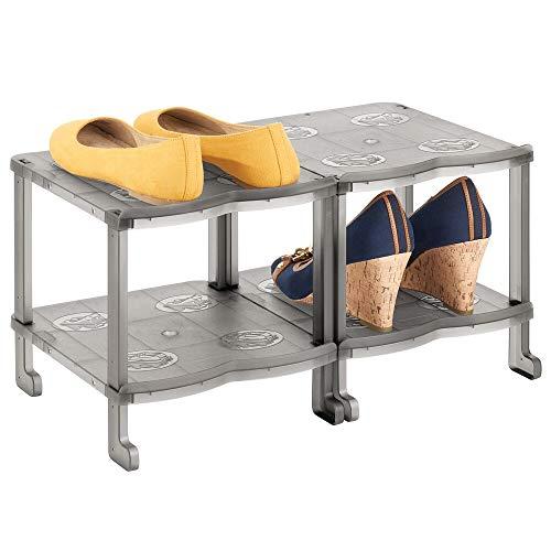 mDesign Mueble zapatero – Organizador de zapatos estrecho con cuatro baldas para sandalias, botines y botas – Zapatero alto de plástico para el pasillo o el armario – gris humo
