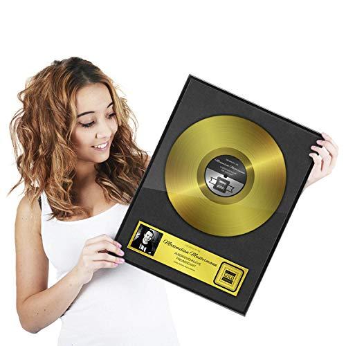 GOODS+GADGETS Goldene Schallplatte als personalisierte Urkunde mit Holz-Rahmen - Persönliches Geschenk Personalisiert mit Namen und Datum Anlass Wanddeko mit Bilderrahmen (DIN A3-30 x 42 cm)
