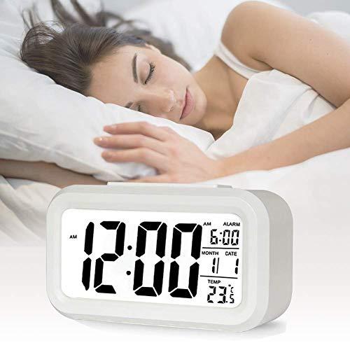 AOI Réveil numérique sans Fil à Piles avec Date, température, lumière du capteur Intelligent, 12/24 Heures, répétition pour Les Chambres, Le Bureau, 5,31 x 2,95 x 1,77 Pouces (Blanc)