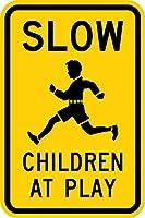 警告注意注意安全サインメタル、グラフィックで遊んでいる遅い子供たち、スズの壁サインレトロな鉄の絵ヴィンテージメタルプラークハンギングポスターバーカフェストアホームヤード